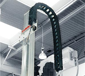 E4/100 cable carrier in vertical application