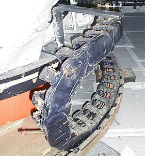 TwisterChain cable carrier in a dirty environment