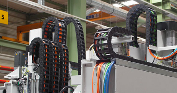 readychain® pre-harnessed cable carrier on a machine tool