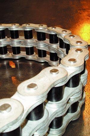 iglide® Plastic Bushings on Conveyor Chains
