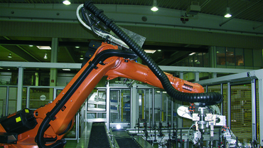 triflex® R cable carrier on Robots