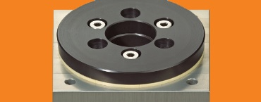 Slewing ring bearing with square flange